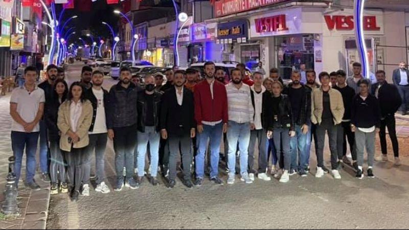 CHP'nin gençlik klasiği: Gençler kapı dışarı edildi