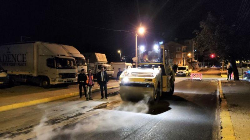 Gölcük Belediyesi gece-gündüz çalışmaya devam ediyor