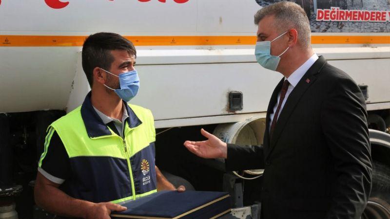 Başkan Sezer, hayat kurtaran personeli tebrik etti
