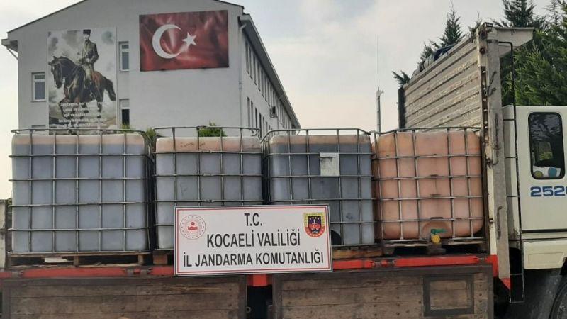 İzmit'te 6 ton kaçak akaryakıt yüklü kamyon yakalandı