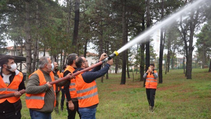 Gönüllülerden oluşan ekip, itfaiyenin ve AFAD'ın yükünü hafifletecek