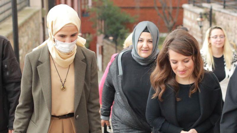 """Sümeyye Erdoğan, Marmara Kadınlar Birliği'ni ziyaret etti: """"Kadınların güçbirliğiyapmasına sevindim"""""""