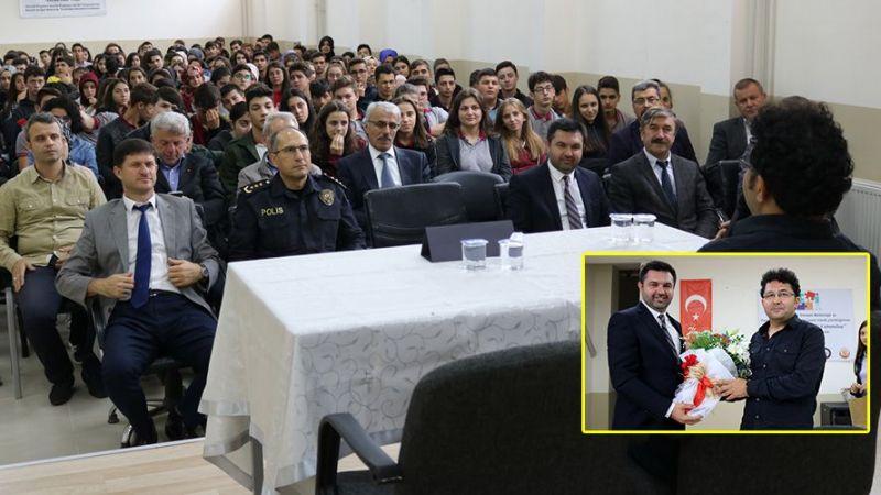 """Akhisar Anadolu Lisesi ve Emniyetten  """"Bilinçli Genç Bilinçli Vatandaş """" projesi"""