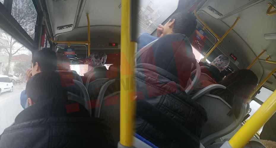 Toplu taşımda sosyal mesafe kuralı böyle ihlal edildi!