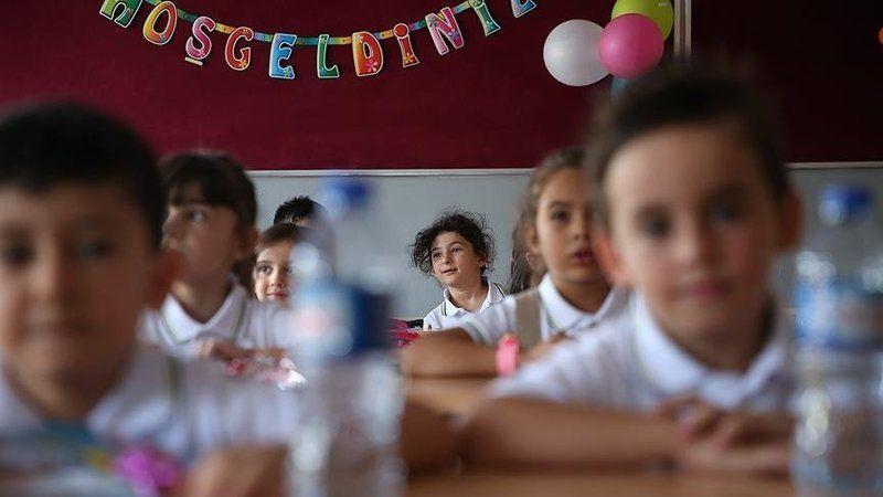 """Milli Eğitim Bakanı """" Yazın okullar 2 ay açık kalacak yorumu doğru değil.."""""""