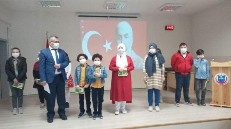 İstiklal Marşını Pamukova'da en güzel onlar  okudu...