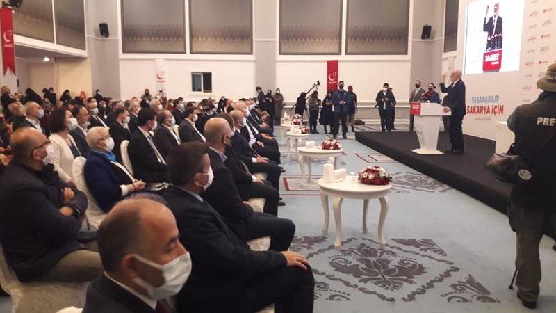 Saadet Partisi 7'inci Olağan İl Kongresi Karamollaoğlu'nun katılımı ile yapıldı
