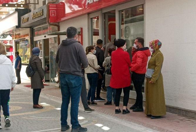 Bankalar açık mı? Bankalar kaçta açılıp, kaçta kapanacak?