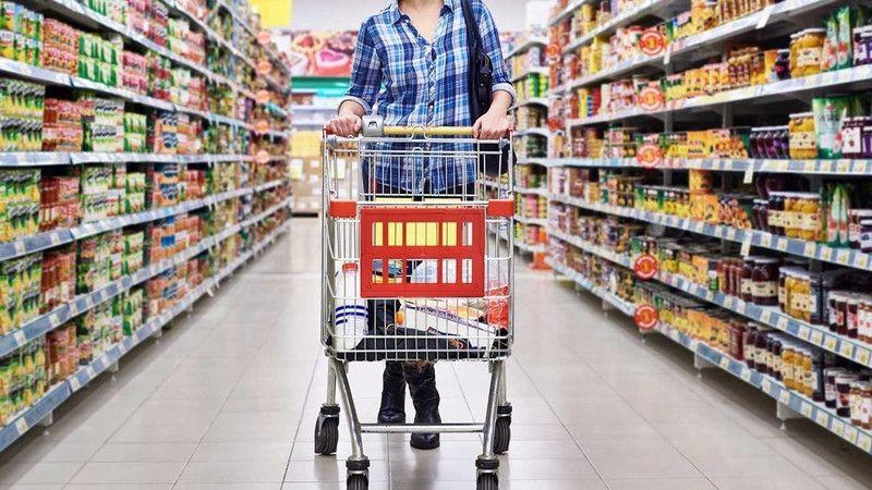 Marketlerde zorunlu ihtiyaçların dışındaki tüm ürünlerin satışı yasaklandı...