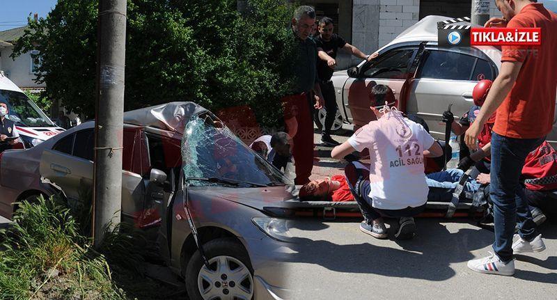 Otomobil elektrik direğine çarptı 2 yaralı