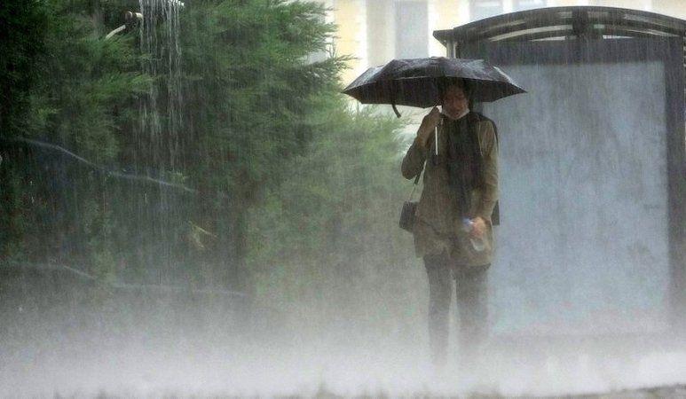 """Bir uyarıda Büyükşehir'den; """" Metre kareye 50 kilogram yağış bekleniyor """""""