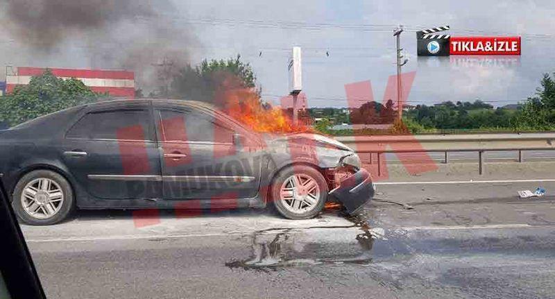 4 aracın karıştığı kazada Pamukova plakalı araç alev topuna döndü!