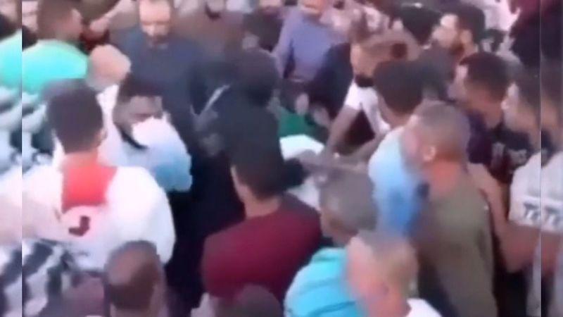 Öldü sandıkları adam, kendi cenazesinde dirildi!