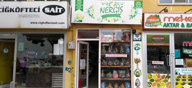 Pamukova'da Devren Satılık Çiçekçi Dükkanı!