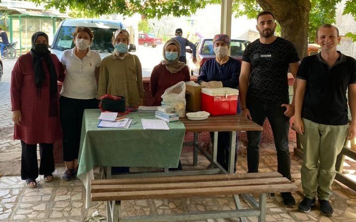 Pamukova da gezici mobil aşı hizmetleri mahalle mahalle devam ediyor