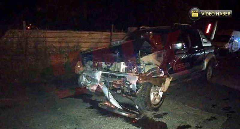 Pamukova'da o kavşakta panelvan ile pickup çarpıştı! 3 yaralı