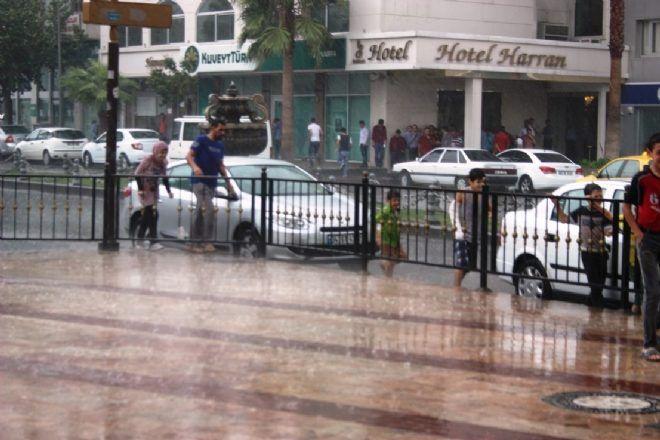 Şanlıurfa güne yağmurla uyandı