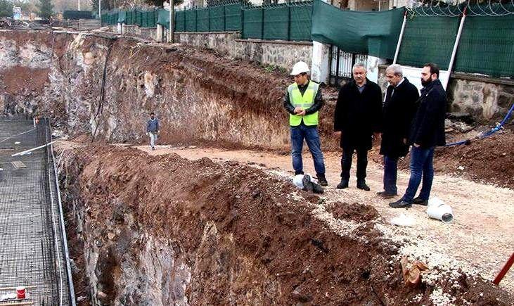 Osmangazi Mahallesi'nde Gençlik ve Kültür Merkezinin inşaatı yükseliyor