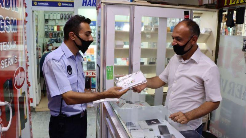 Büyükşehir'den esnafa ücretsiz maske dağıtımı