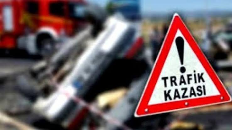 Şanlıurfa'da motosiklet Kamyona çarptı:2 yaralı