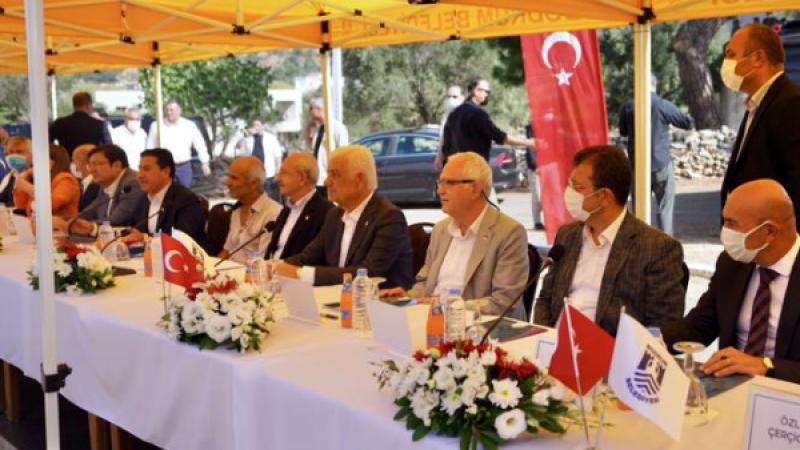 Kılıçdaroğlu, büyükşehir başkanları ile Muğla'da