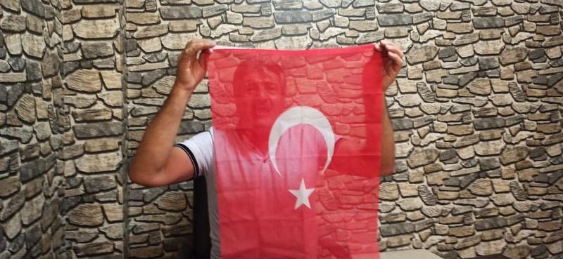 Urfalı Şair Müzisyen Maraşlıoğlu,Yoksulluğu mısralara döktü