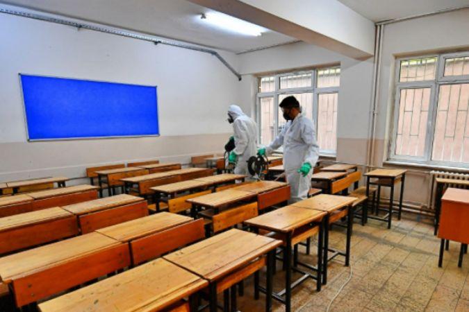 Büyükşehir okullarda hijyen seferberliği başlattı