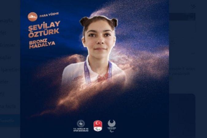Sevilay Öztürk'ten tarihi madalya