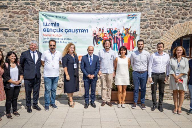 İzmir Gençlik Çalıştayı başladı