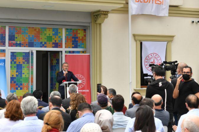 Türkiye'nin en kapsamlı ve gelişmiş otizm merkezi Üsküdar'da açıldı
