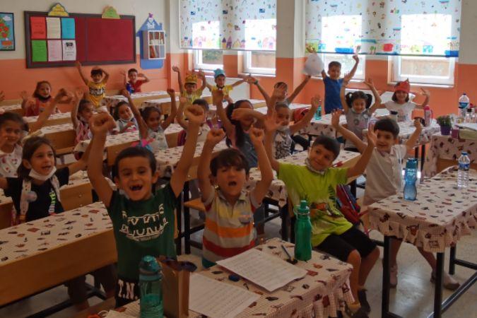 """""""Benim Renkli Sınıfım"""" projesi 3.723 çocuğa ulaştı"""