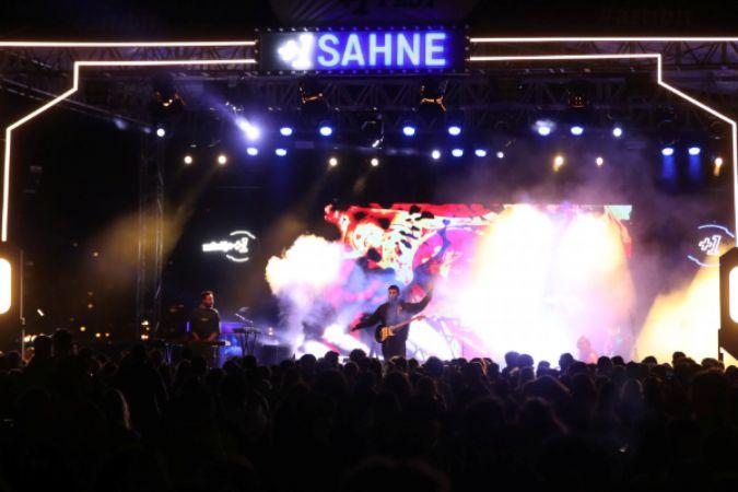 İzmir +1 Fest'in kapanışı Evdeki Saat'ten