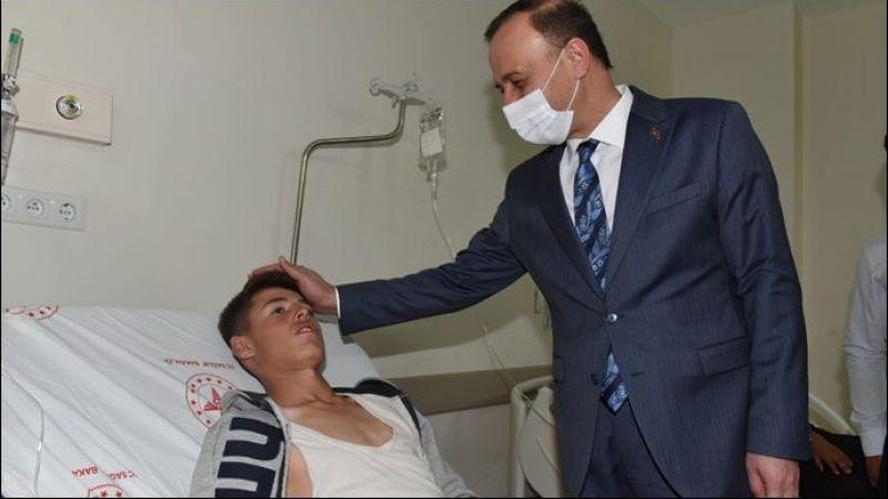 Vali Erin, Bozova'daki Kazada Yaralanan Öğrencileri Ziyaret Etti