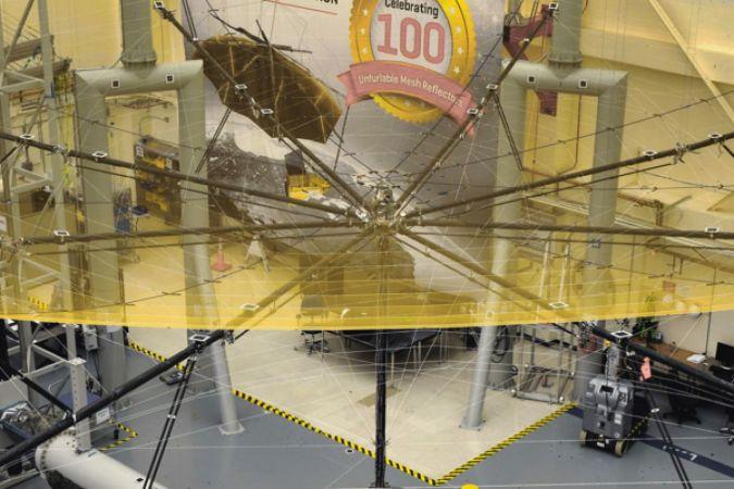 Orman izleme uydusu Biomass'a dev reflektör başarıyla yerleştirildi