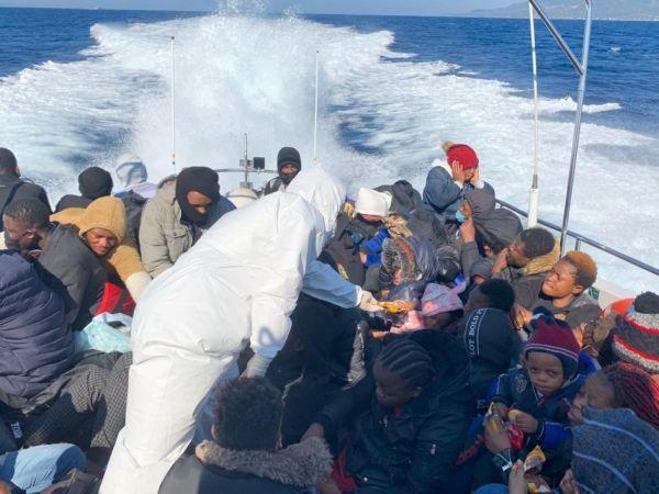 Çanakkale'de 50 sığınmacı daha kurtarıldı