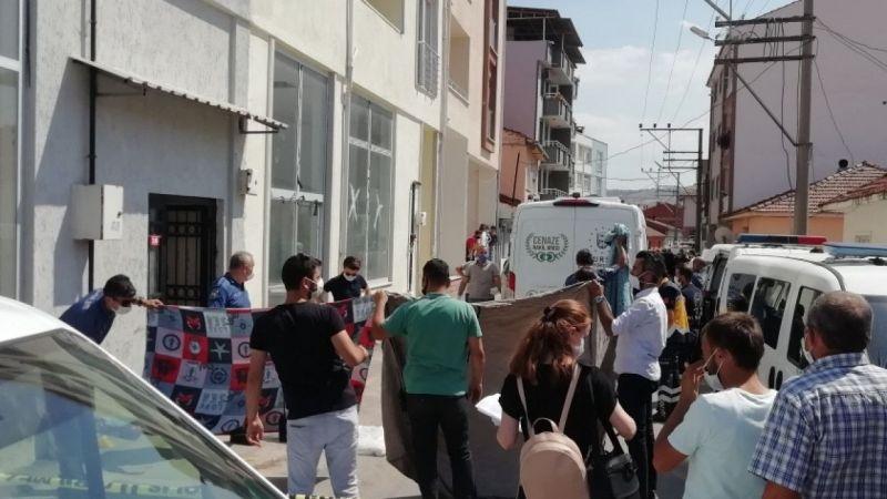 Bursa'da Balkondan Düşen Kadın Öldü