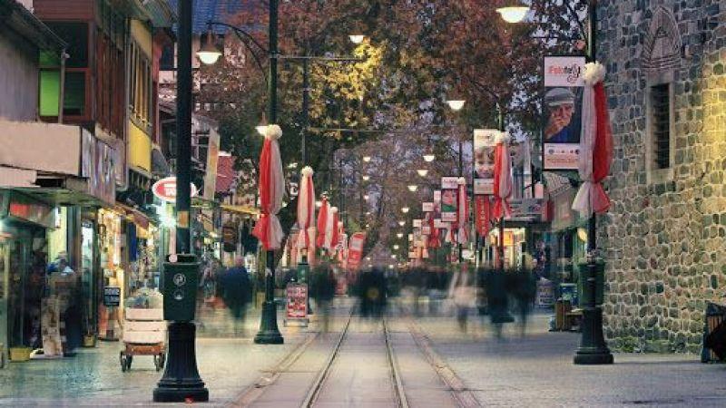 Bursa caddeleri estetik görünüme kavuşuyor