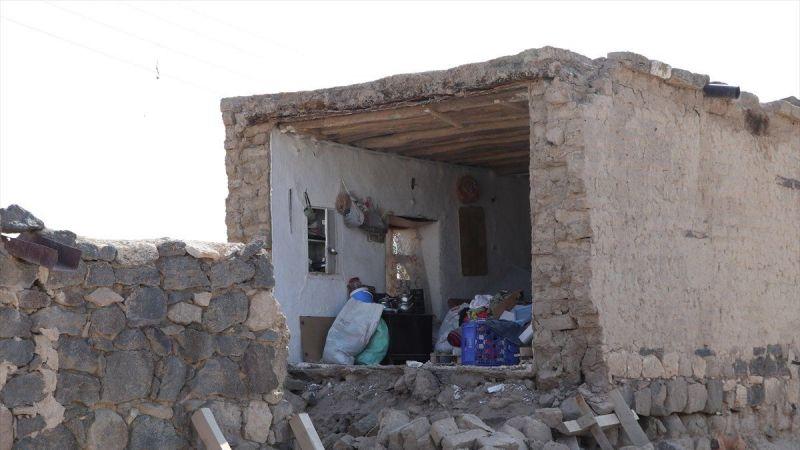 Niğde depreminde 143 ev hasar gördü