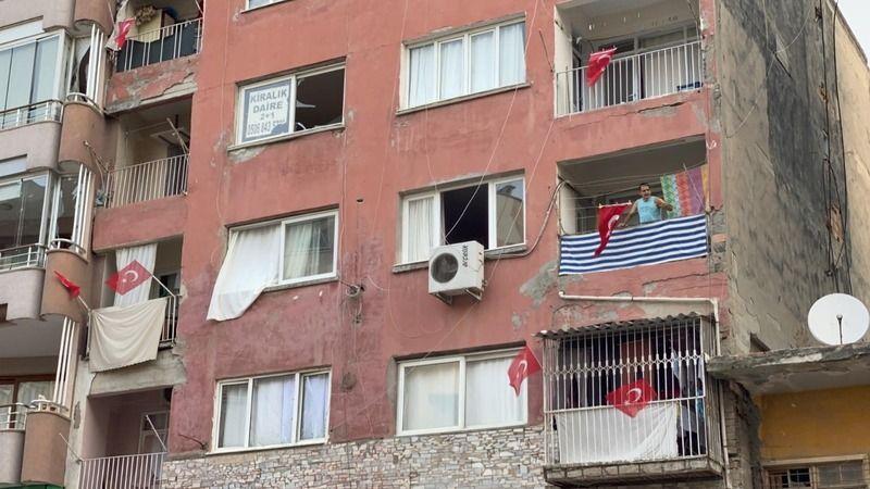 Hatay'da her yere Türk Bayrağı asıldı