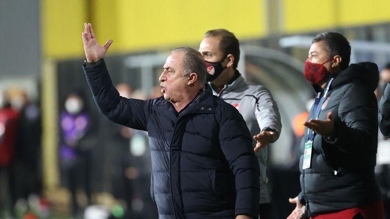 Fatih Terim'e 5 maç ceza