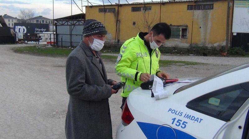 Bursa'da otomobili bağlanan ehliyetsiz sürücüyü polis ekipleri evine bıraktı