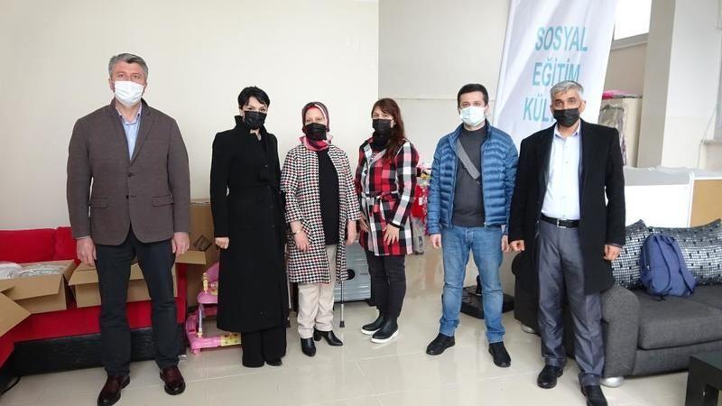 Bursa'da evlenecek çiftlere bedava gelinlik ve damatlık