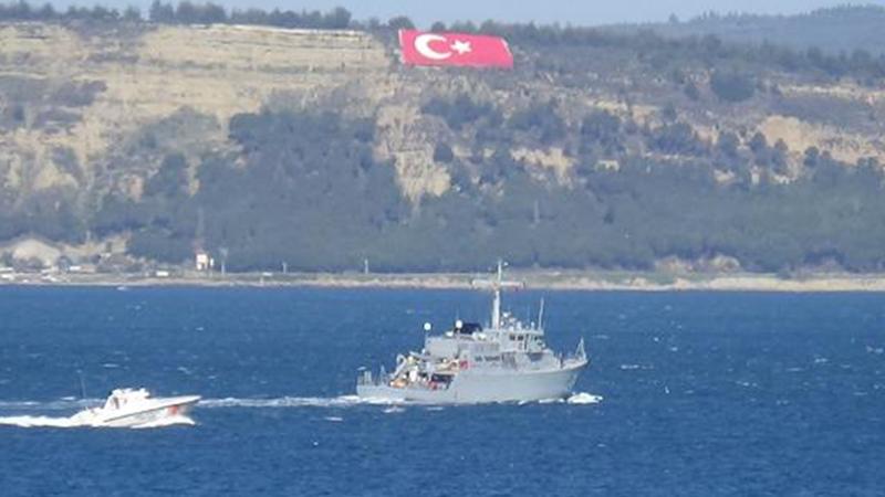 Bulgar mayın gemisi Çanakkale Boğazı'nda