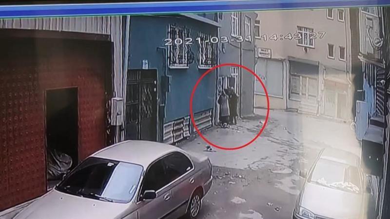Bursa'da kadın hırsızlar evden servet götürdü