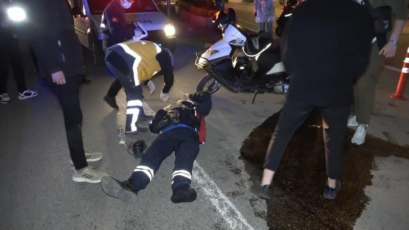 Bursa'da kısıtlamada moto kuryeler çarpıştı