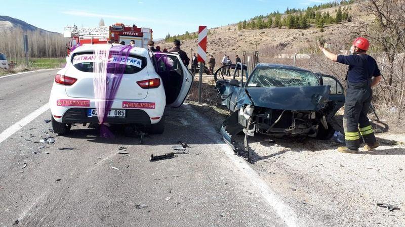 Konya'da 3 otomobil birbirine girdi: 7 yaralı