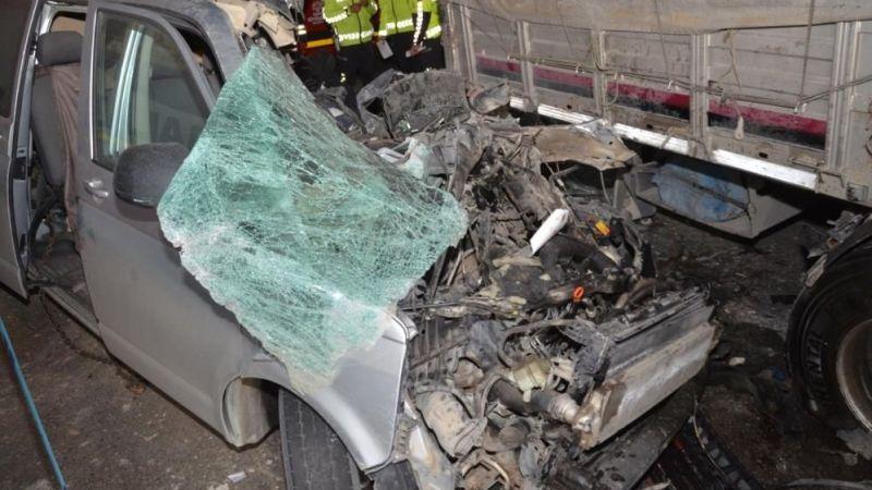 Konya'da feci kaza, araçta sıkışarak hayatını kaybetti
