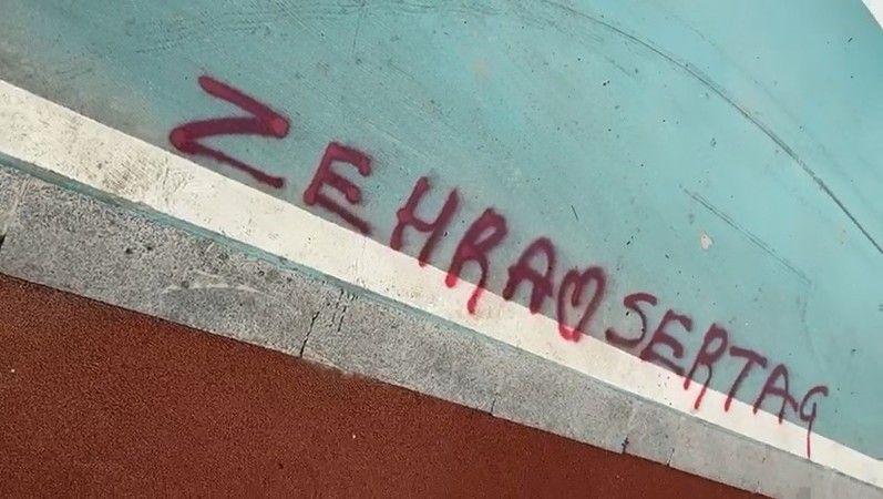 Bursa'da yere spreyle yazı yazarken yakalandı