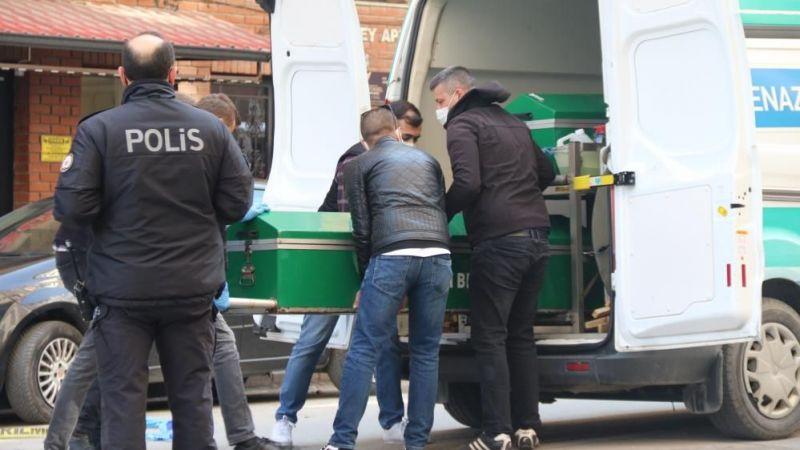 Eskişehir'de kaza: Metrelerce otobüsün altında sürükledi