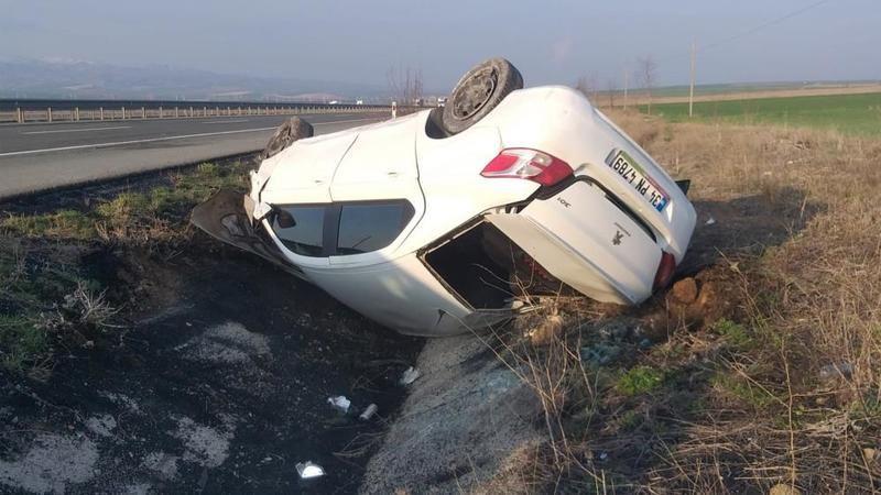 Kırıkkale'de takla atan araçtan yaralanmadan kurtuldu